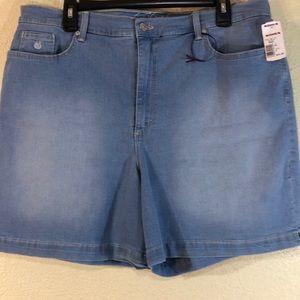 Gloria Vanderbilt Jeans  Shorts Size 18 Amanda